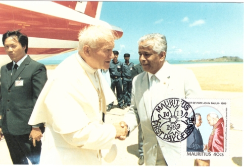 1989 14 Oct - Visit of Pope Postcard_1